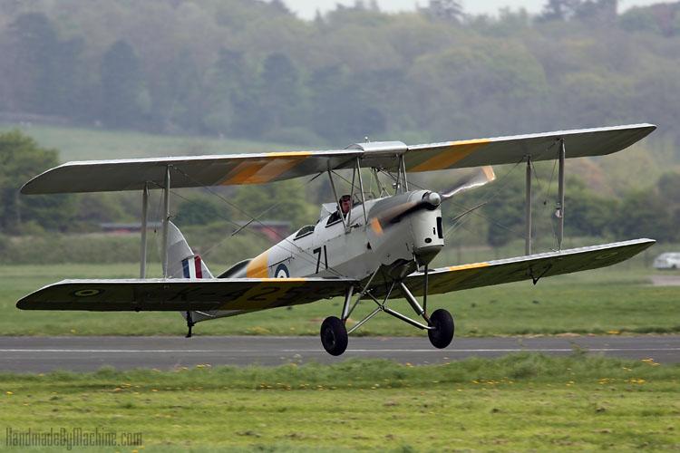 Tiger_Moth_Flights_MO_Landing